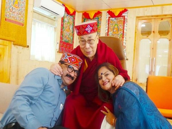 govind thakur welcomes dalai lama on arrival in manali