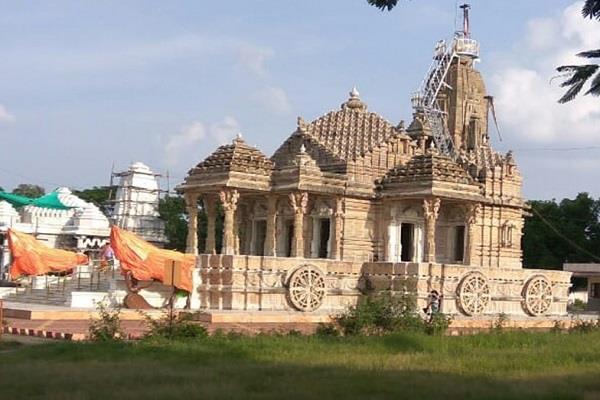 many idols stolen from famous jain shrine shivpur