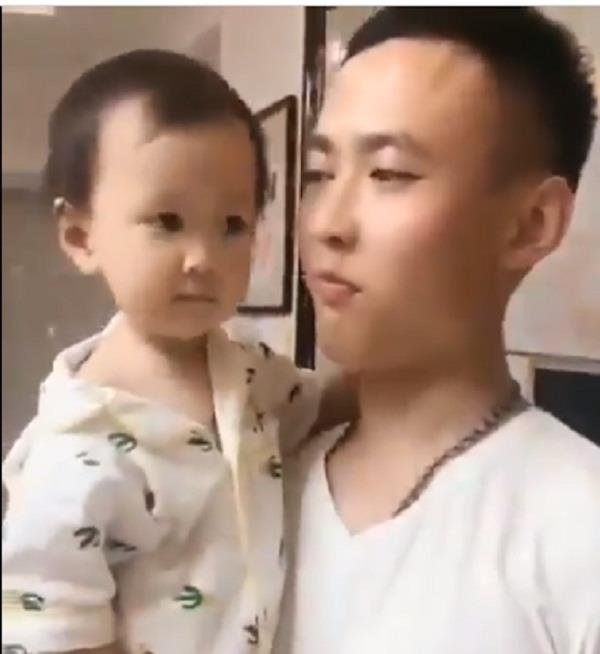 child caught his father s theft in 30 seconds