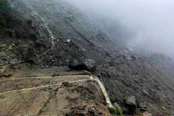 kailash mansarovar yatra interrupted due to bad weather