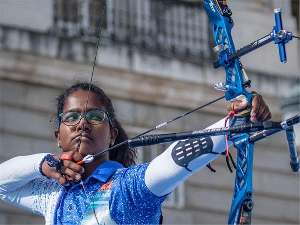 17 साल की कोमालिका ने जीता गोल्ड, बेटी के लिए कभी पिता ने बेचा था अपना घर