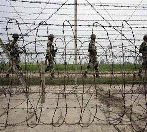 bsf caught suspected indian citizen on indo pak border