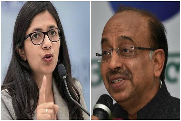 swati maliwal and vijay goel clash on twitter
