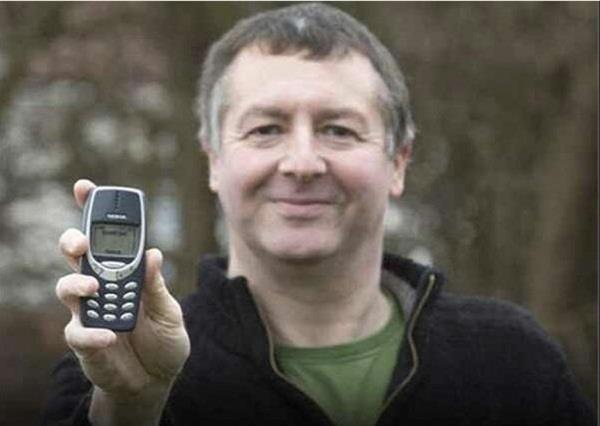 london man find 19 years old nokia phone at home and shocked