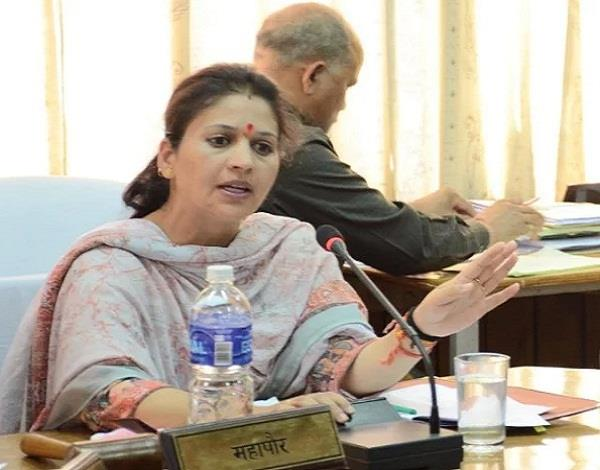 mayor kusum accused of running a government vehicle for rohru