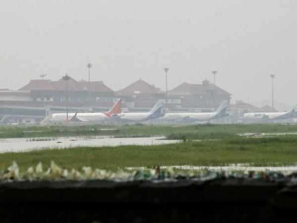 kochi international airport opens again after 2 days