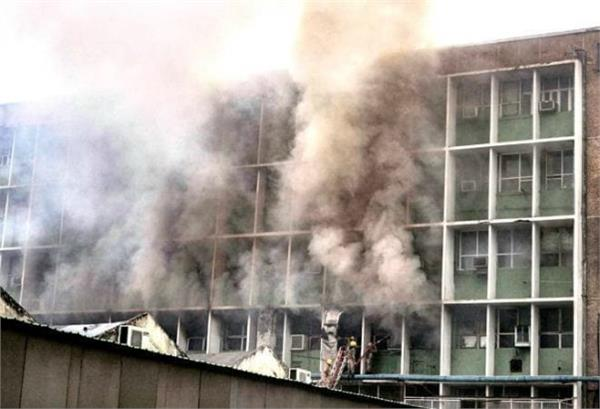 aiims fire teaching block dont have fire noc