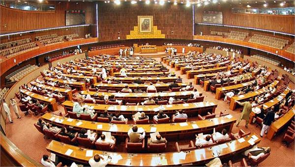 ruckus in pak parliament as imran khan skips emergency