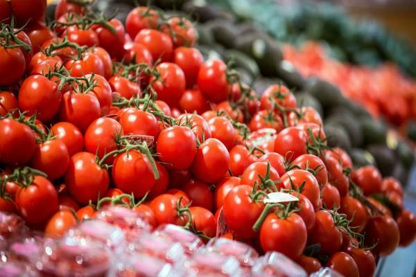 pakistan depend on india for tomato and onion shutdown will harm business