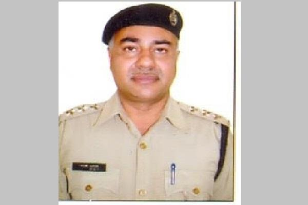 faridabad ips officer and dcp of nit in faridabad vikram kapoor commit suicide
