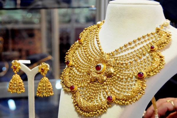 gold and silver also fell below 40 thousand rupees