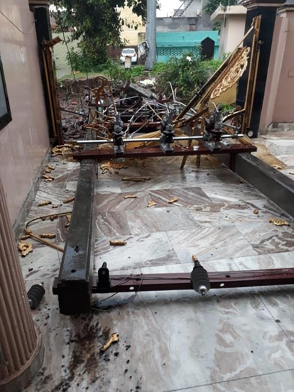 electric pole broke and fell at home