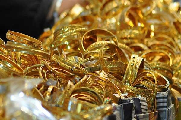 gold tumbles rs 110 silver recovers 80 rupees