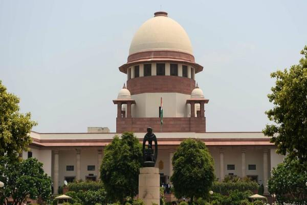 sc warns to politicisation dont speak a word on temple of delhi
