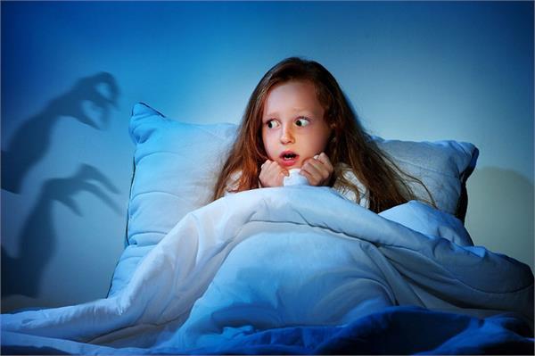 रात को बच्चे को आएं बुरे सपने तो अपनाएं ये 6 टिप्स