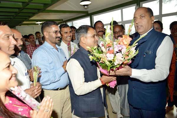 cm meet with delegation