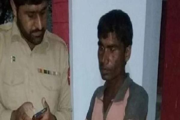 khandwa s raju is in jail in pakistan
