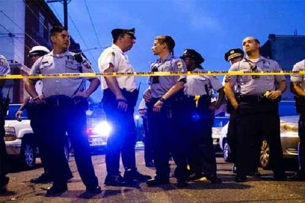 6 policeman injured shooting in philadelphia america shooter arrested