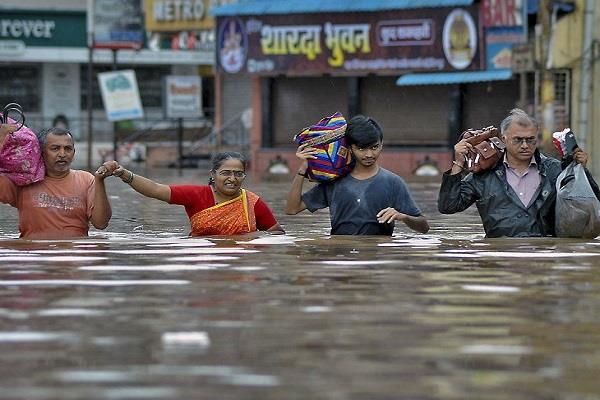 maharastra floods victims farmers congress full debt waiver news latest
