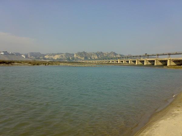 pakistan releases water flood threat in ferozepur