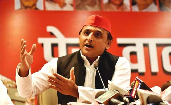 bjp busy in the spectacle of man vs wild akhilesh