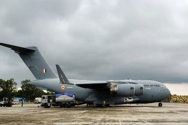 air force c 17 aircraft will fly up airlift passengers in kashmir