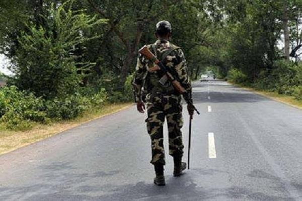 police misbehaved with crpf jawan s mother