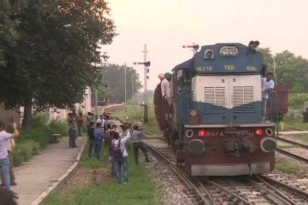 atari border returned with indian engine samjhauta express