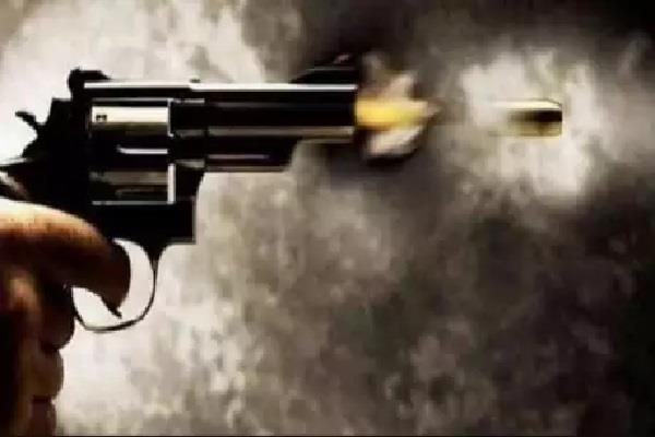 criminals shot 3 people