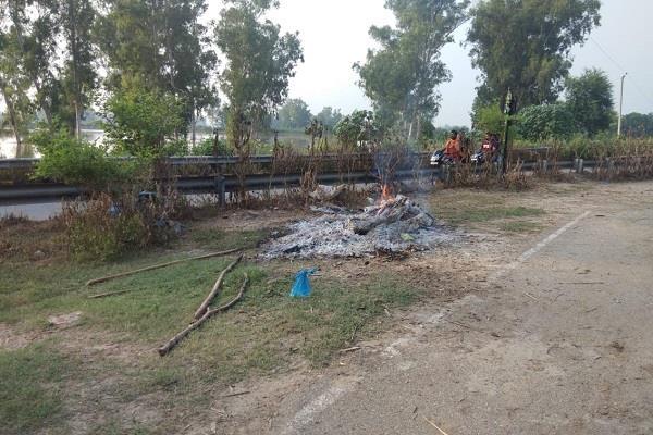cremation ghat inundated in flood women death