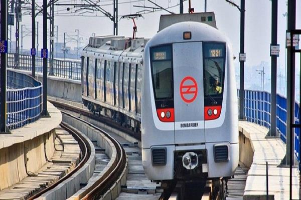 delhi youth killed by jumping in front of metro train services stopped