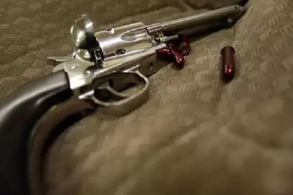 police constable shot himself revolver wife killed consuming poison