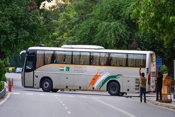 dtc cancels delhi lahore bus service after pakistan s decision