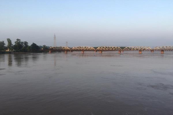 relief in people due to low water level in sutlej darya