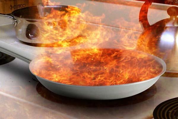 manali woman kitchen scorching