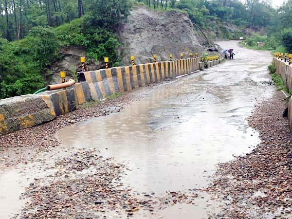 heavy damage in himachal by rain