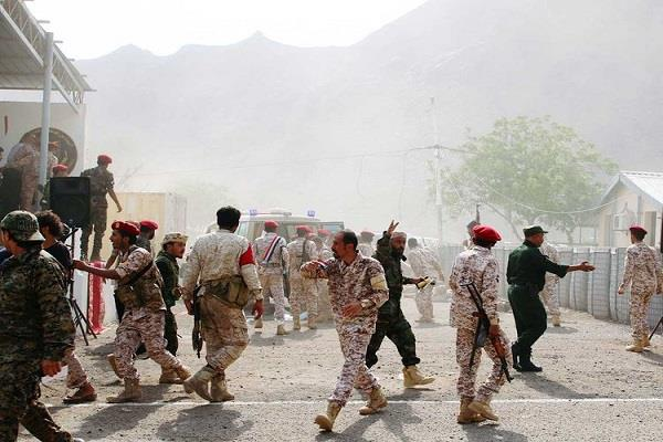 yemen militant attack on army camp in aden killing 51 people