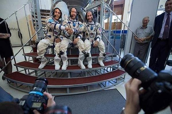 rocket leaves for iss carrying emirati russian us citizen