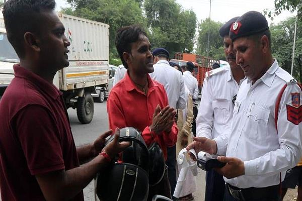reduced fines for traffic violations apply in gujarat