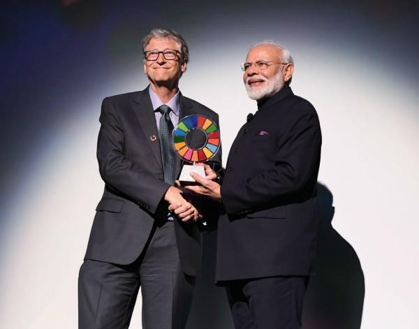 pm modi honored with global goalkeeper award