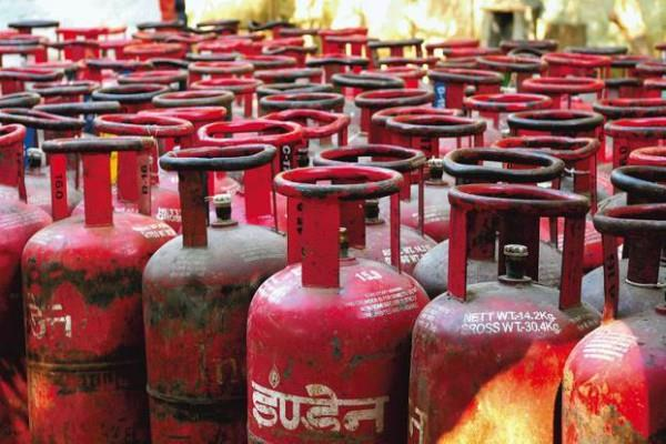 gas cylinder without subsidy becomes expensive