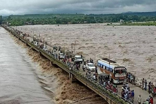 rains continue in madhya pradesh schools and colleges closed