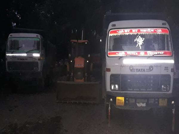 major action of indora police on mining mafia