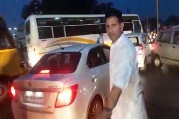 minister jitu patwari stuck in jam took over traffic command himself