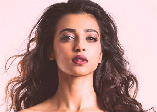 ब्रांडेड प्रॉडक्ट नहीं, सिंपल टिप्स हैं राधिका की ग्लोइंग स्किन का राज