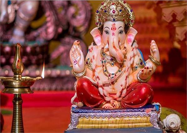Ganesh Chaturthi: मूर्ति खरीदने से पहले रखें इन बातों का ख्याल, घर में आएगी बरकत