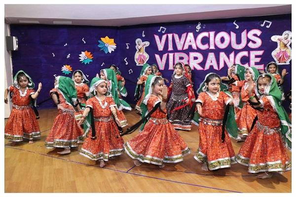 dance performed by little girls