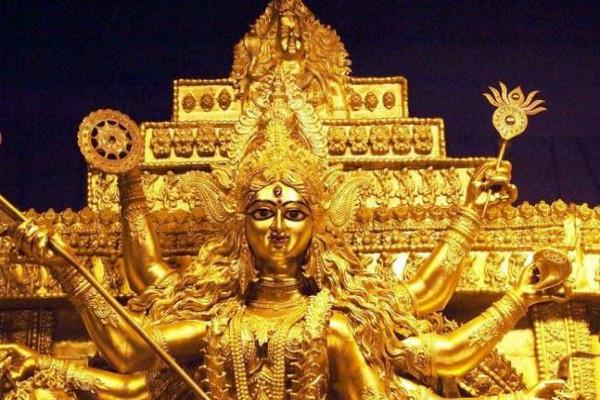 13 feet tall statue of durga maa made of gold worth 20 crores