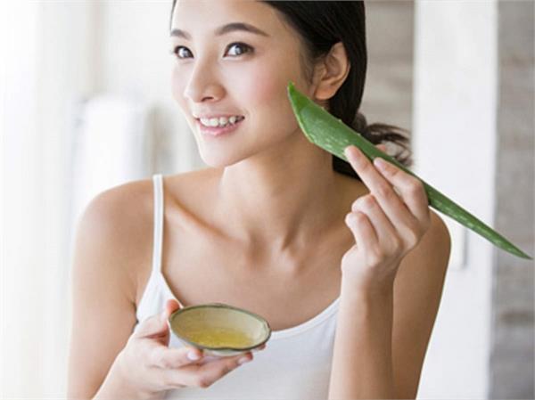 Beauty Tips: स्किन प्रॉब्लम्स के हिसाब से यूं इस्तेमाल करें एलोवेरा फेस पैक