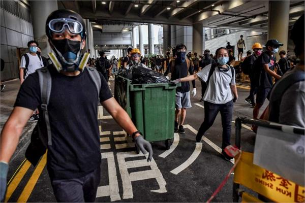 hong kong rail faces delays as protesters target trains